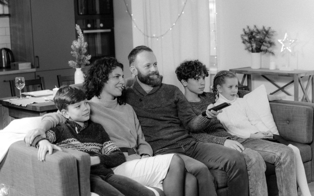 How To Stay Connected With Your Family At Christmas